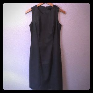 Sleeveless Gray Dress with Button Accents